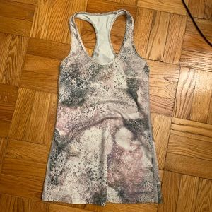 Lululemon workout tank top- great condition!